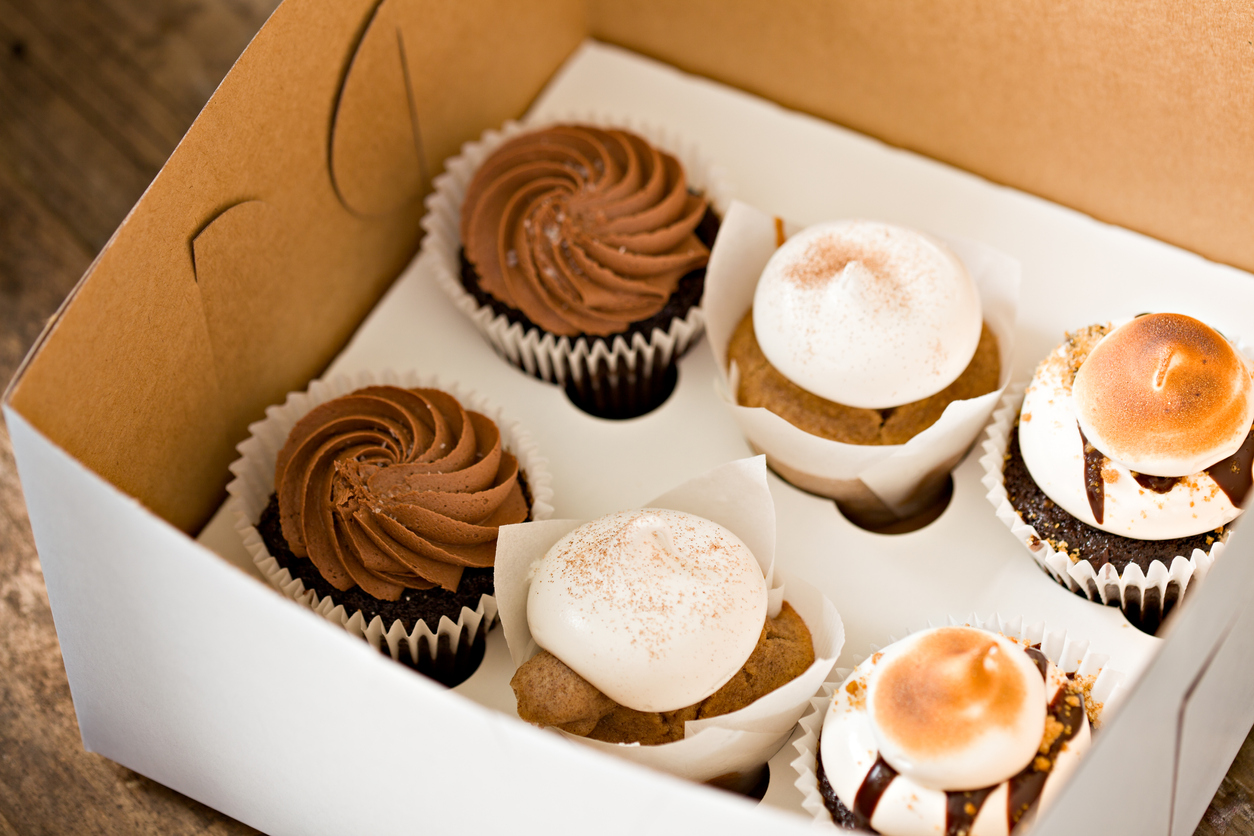 cupcakes in a to-go box